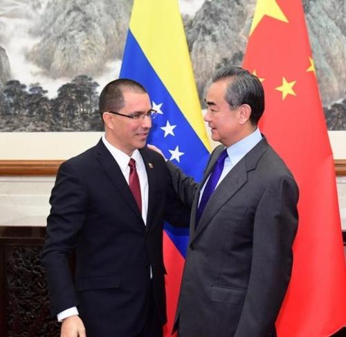 중국, 미국과 갈등 베네수엘라에 손짓…내정 간섭 반대
