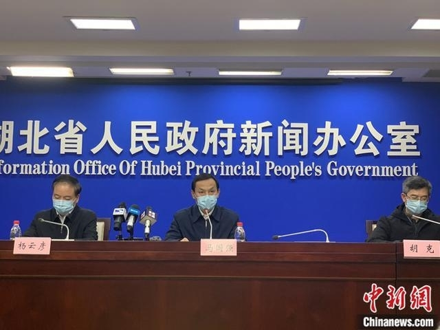 우한시 관내 발열환자, 며칠간 1만5천명…베이징서 첫 사망자(종합)