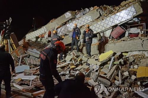 터키 지진 사망자 41명으로…마지막 실종자 시신 2구 수습