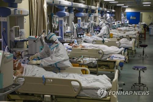 신종코로나 중국인 외 첫 사망자…우한서 치료받던 미국인(종합)