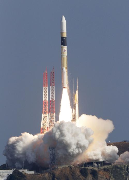 일본, 북한 미사일 시설  등 감시용 정찰위성 발사 성공
