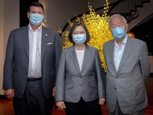 미 국무차관 만찬에 TSMC 창업자 부른 대만 총통