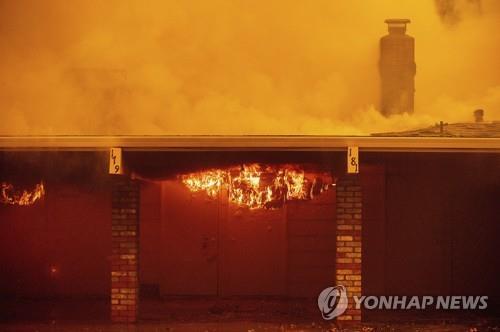 가주 또 산불…주민 수천명 대피·유명 와이너리 불타