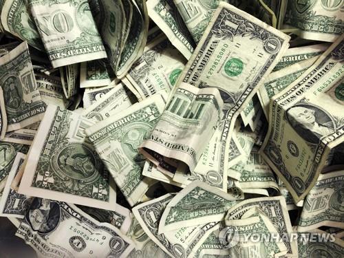 미 은행 넘치는 현금에 골머리…기업에 예금 이전 권유도