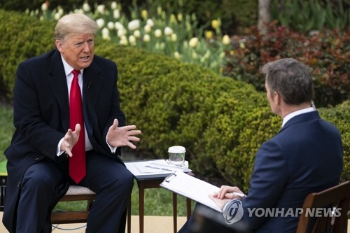 다급한 트럼프 한국 검사수 넘었다며 틀린 수치로 연일 방어막