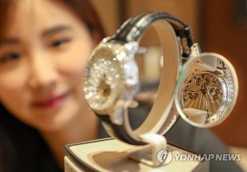 한국의 지독한 명품 사랑…코로나에도 15조원 펑펑