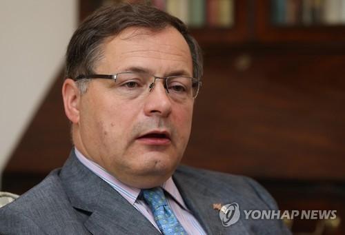 英国驻韩大使:望韩英签署新自贸协定加强经贸合作