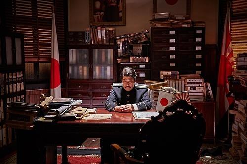 韩片《密探》上映首日票房夺冠