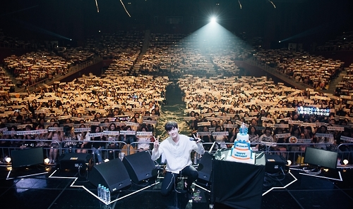 李钟硕首尔粉丝见面会圆满落幕 与3千粉丝互动