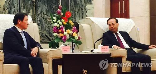 SK集团董事长崔泰源相继会见中方人士深化合作