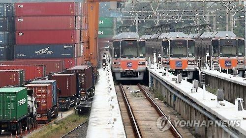 韩铁路地铁罢工第二天 货运受影响