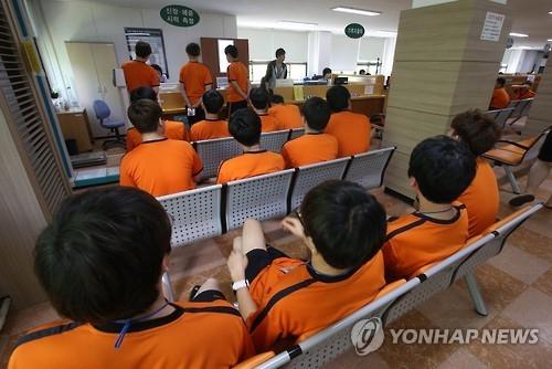 民调:韩48%民众赞成维持义务兵役制