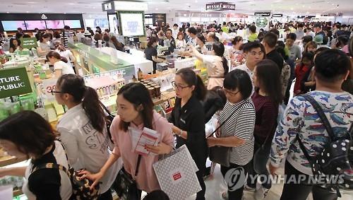 十一访韩中国游客约25万 百货免税店销售大增