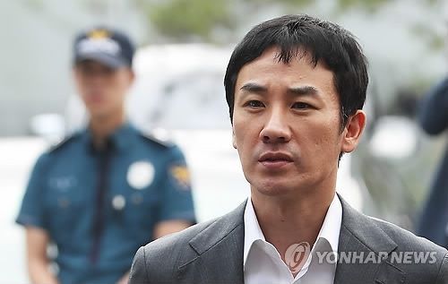 严泰雄摆脱性侵嫌疑 以涉嫌性交易被送检起诉
