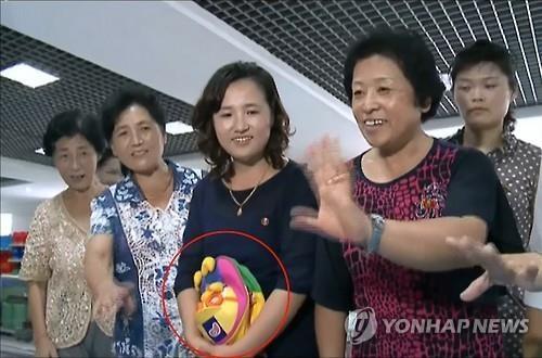 """韩卡通形象小企鹅波鲁鲁""""现身""""朝鲜电视节目"""