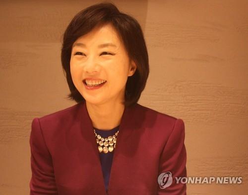 韩文体部长官:将借奥运增进韩中日文化交流