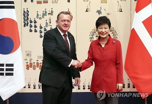 朴槿惠会晤丹麦首相商定深化产业合作