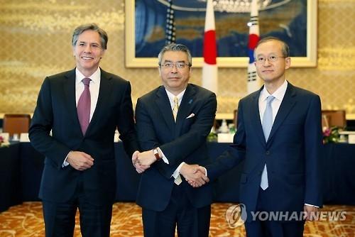 韩美日举行副外长会谈商定加强合作制裁朝鲜