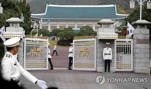 韩官员:朴槿惠正为解决亲信门安定民心而做考虑