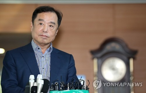 韩青瓦台:朴槿惠提名新总理意味着将退居二线