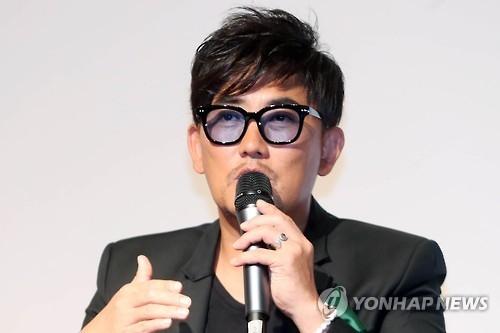 韩歌手李承哲否认与崔顺实门有瓜葛