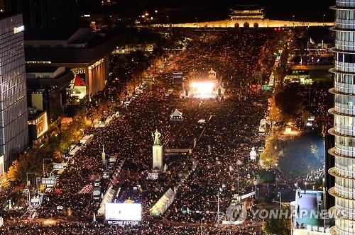 韩百万人参加烛光集会 要求朴槿惠下台呼声鼎沸