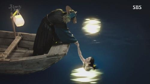 《蓝色大海的传说》第1集截图