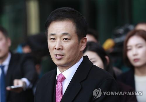 资料图片:总统朴槿惠的辩护人柳荣夏(韩联社)