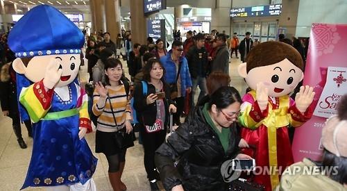 今年韩国接待游客破1500万 中国人占半