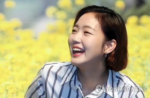 韩演员金高恩代言法国美妆品牌兰蔻