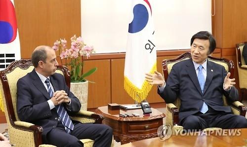 人权理事会专家组访韩寻求朝鲜践踏人权查责方案