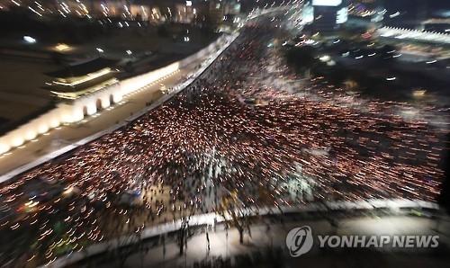 韩第五轮周末集会拟筑百万人墙包围总统府