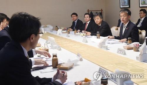 韩经济部门开会讨论美大选后国内经济走势