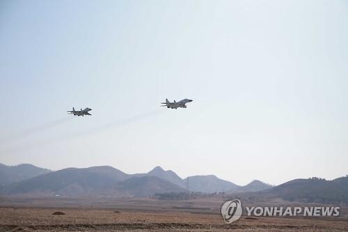 消息:朝军下月启动冬演 抽调各地战机备赛