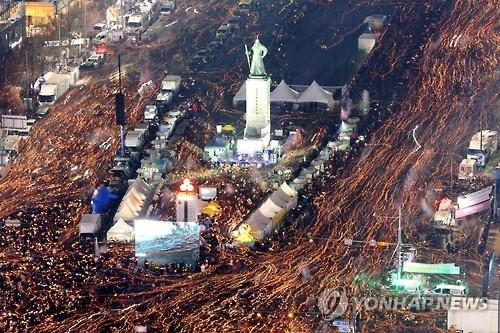 朴槿惠三次道歉无效果 第六轮反总统集会明如期举行