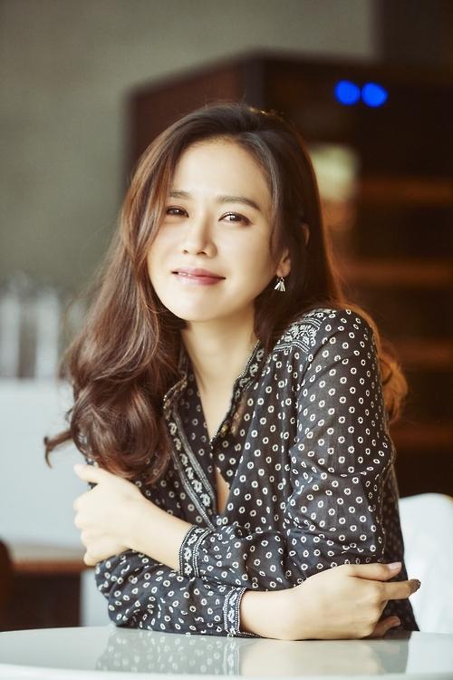 孙艺珍获韩年度女电影人最佳表演奖