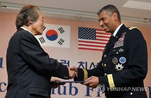 驻韩美军司令:韩美同盟空前重要