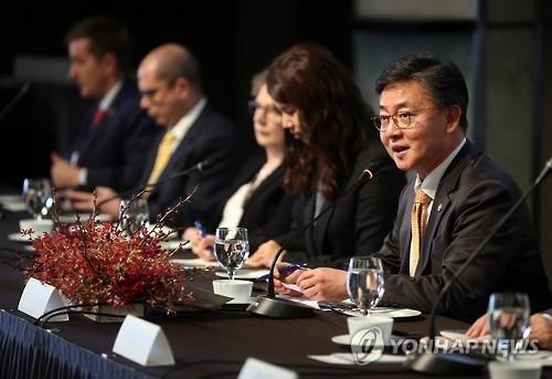 韩统一部长官:不懈追求和平统一不受政局影响