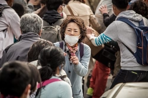 韩片《潘多拉》称雄周末票房榜