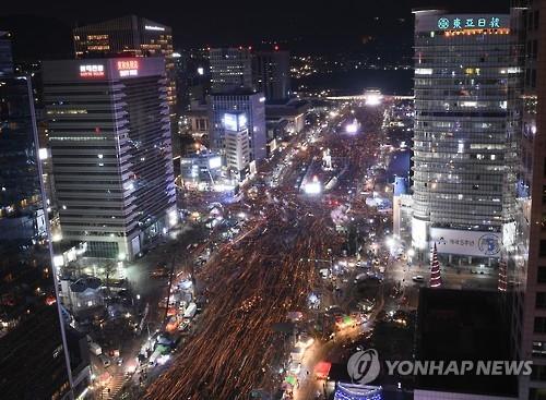 12月11日第七次反总统烛光集会全景(韩联社)