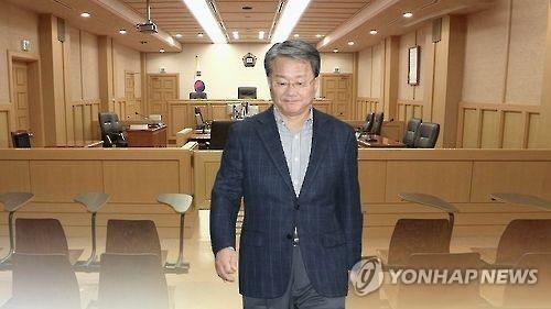企图拿钱摆平调查的洪满杓律师(韩联社)