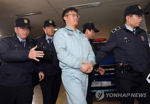 韩亲信门独立检察铺开 总统幕僚首到案