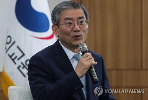 韩政府:日本不介意韩代总统出席韩中日领导人会议