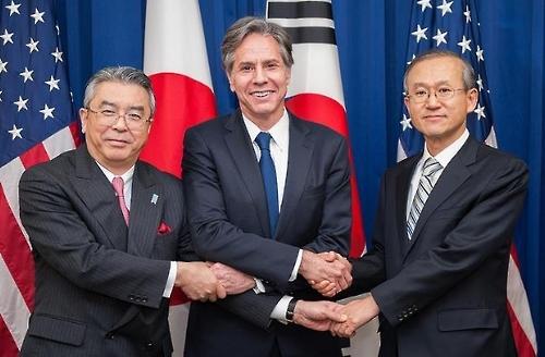 韩美日副外长商定对朝施压全球合作
