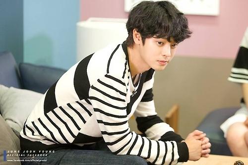 郑俊英回归综艺《两天一夜》 2月将发布新专辑