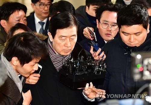 韩亲信门独检组暗示或逮捕三星二把手 向李在镕施压