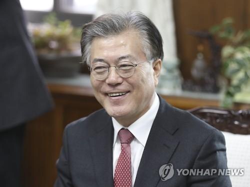 韩下届大选民调:文在寅居首与潘基文差距拉大