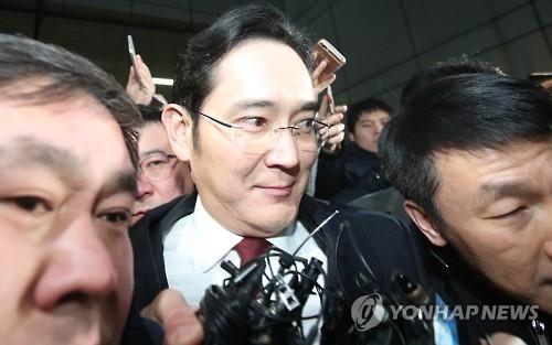 三星李在镕接受22小时讯问 检方或今明申请逮捕