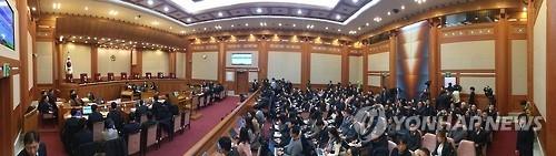 1月16日上午,韩国宪法法院进行总统弹劾案第五次庭审。(韩联社)