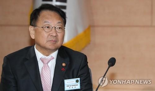 韩副总理:依据国际规范应对中国限贸